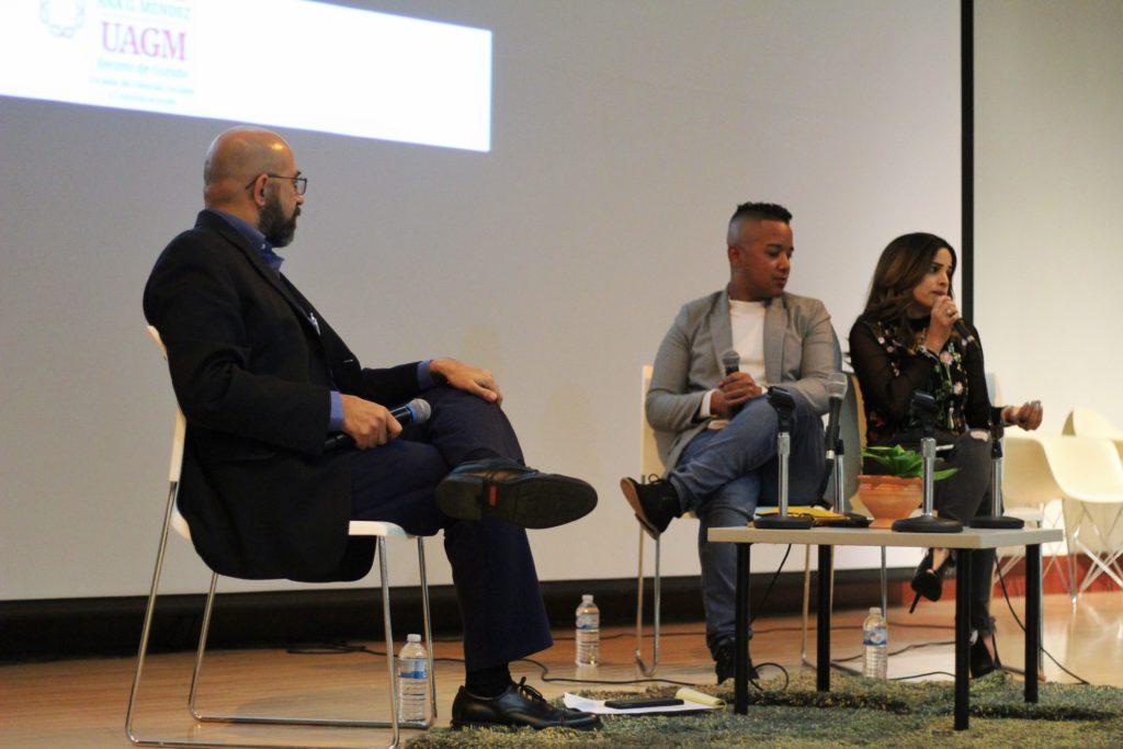 """Mónica Quesada """"Mou Design"""" y """"Angie Rivers"""" compartieron sus experiencias y consejos con los estudiantes."""